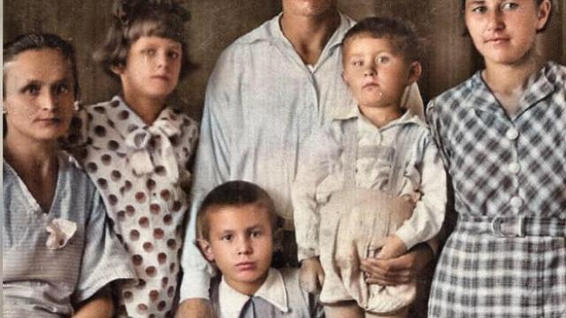 Michail Jarmosch im Kreise seiner Familie (© privat)