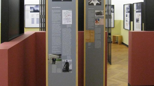 """Blick in die ständige Ausstellung des DIZ Torgau """"Spuren des Unrechts"""". Foto: Archiv StST/DIZ Torgau"""