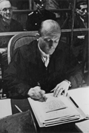 Carl-Albert Brüll während des so genannten Görlitzer Kriegsverbrecherprozess 1948