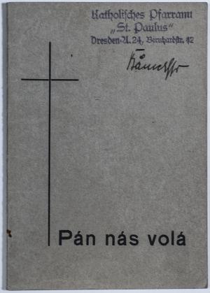 Dieses Gebetbuch hatte Pater Bänsch dem tschechischen Häftling Jaroslav Vacek 1944 ausgeliehen. Seine Tochter Drahoslava erhielt es mit seinem Nachlass zugesandt. Über Jaroslav Vaceks Tochter Věra kam es in den Besitz der Gedenkstätte.
