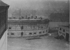 Strafvollzugsanstalt Torgau im Jahr 1955: Rundbau und Werkhalle